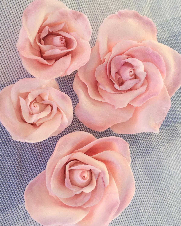 Zucker-Rosen aus Blütenpaste selbst herstellen